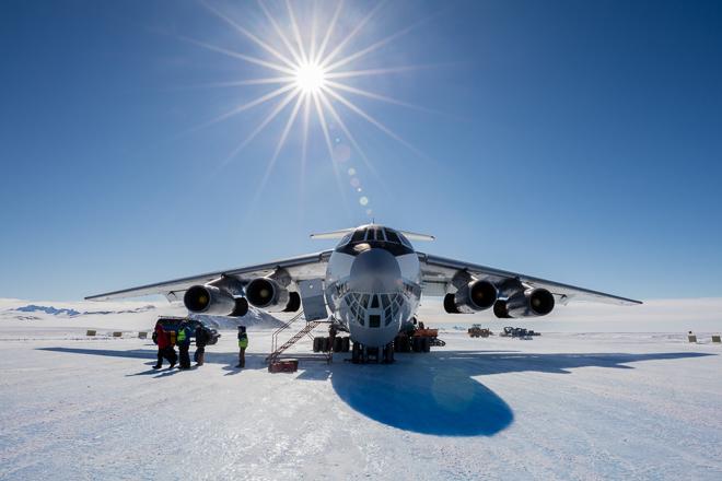 AntarcticaUnionGlacier2015-2155-Edit